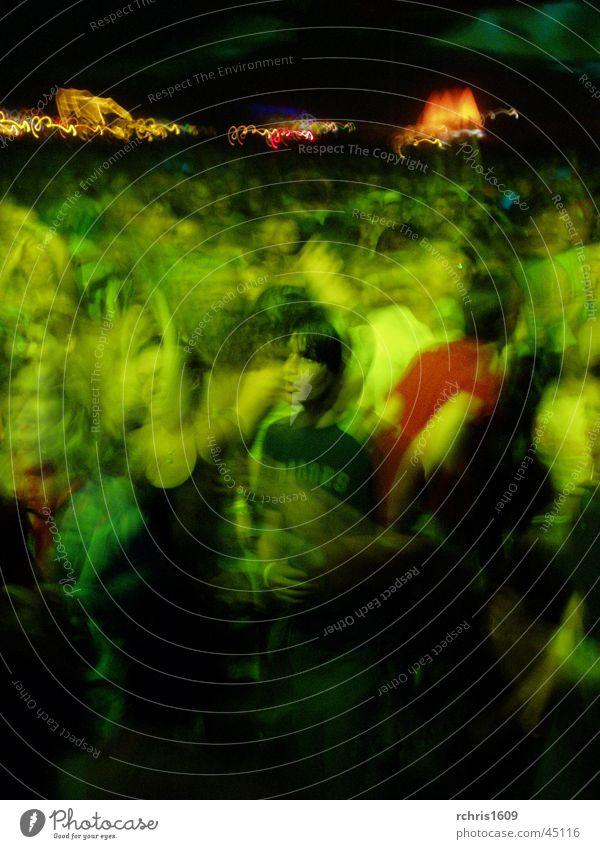 der fels in der brandung Party Mann Mensch Menschengruppe Bewegung Partygast grün Feste & Feiern Bewegungsunschärfe Tanzen