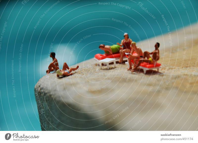 In der Miniaturwelt... Mensch Frau Mann Ferien & Urlaub & Reisen Wasser Sommer Sonne Meer Erholung Strand Erwachsene sprechen Schwimmen & Baden Stein