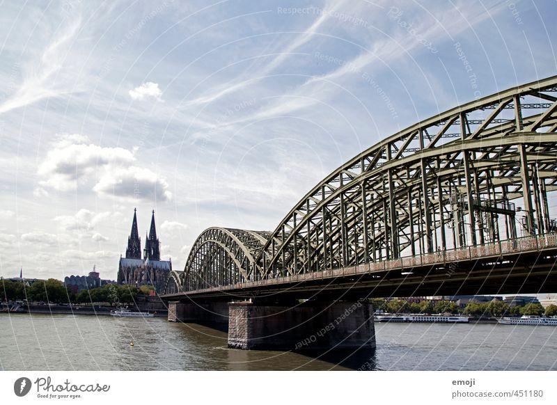 Cologne Himmel alt Stadt Brücke Bauwerk Skyline Wahrzeichen Stadtzentrum Köln Sehenswürdigkeit Dom Hauptstadt Altstadt Kölner Dom