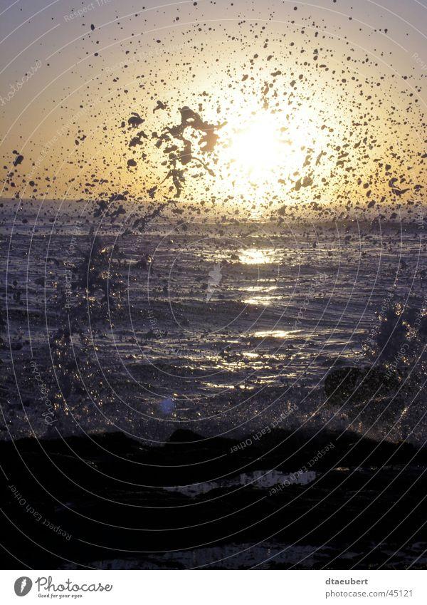 Gefährliche Brandung Meer Sonnenuntergang Wassertropfen wassser Natur