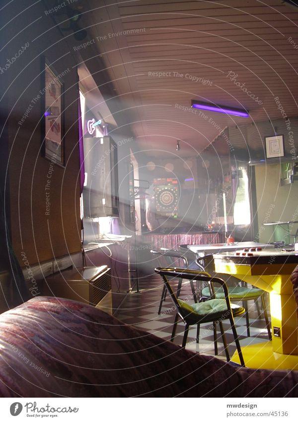 sonnenstrahlen Sonnenstrahlen Bar Spielhalle Freizeit & Hobby stickige luft Rauch Reaktionen u. Effekte