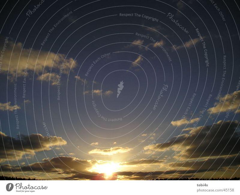 Dusk with Clowds *g* Wolken Sonnenstrahlen Schattenspiel Sonnenuntergang Himmel