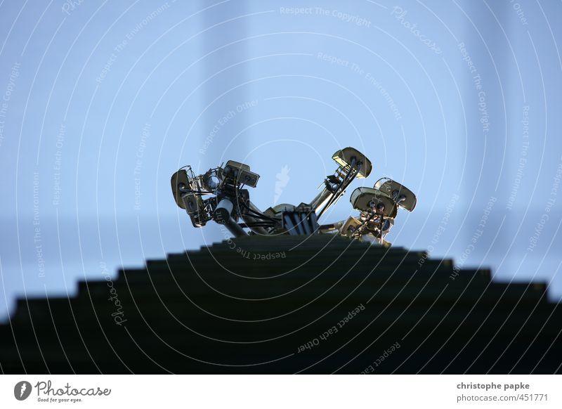 Rundum Überwachung Hardware Videokamera Fotokamera Technik & Technologie Fortschritt Zukunft Informationstechnologie Dach bedrohlich Angst gefährlich Sicherheit