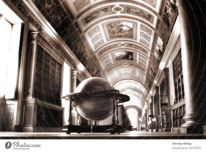 fontainebleau Paris Bibliothek Globus historisch Burg oder Schloss