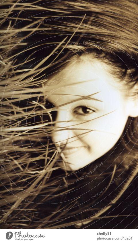 unscharf* Frau Mensch Natur Mädchen Auge Gras Sepia
