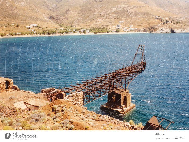 Metallverfall Meer Küste groß Industrie Rost