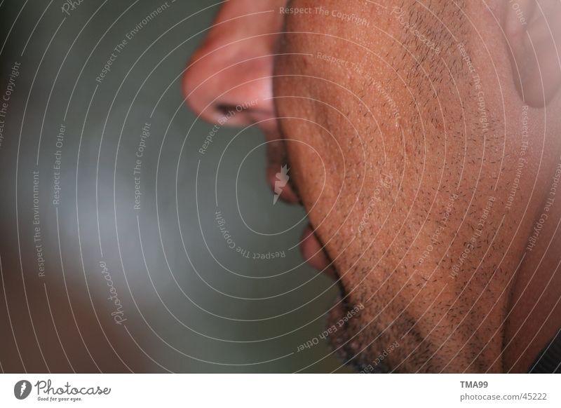 incognito Mann Gesicht sprechen Nase Bart Seite rückwärts Barthaare