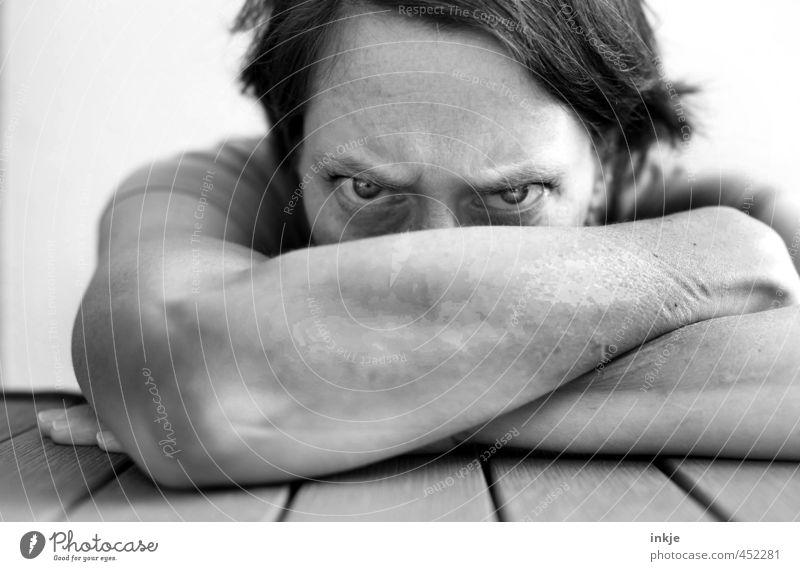 Was genau an NEIN hast Du nicht verstanden?! Frau Erwachsene Leben Gesicht Auge 1 Mensch 30-45 Jahre Blick Konflikt & Streit Gefühle Stimmung uneinig Verachtung
