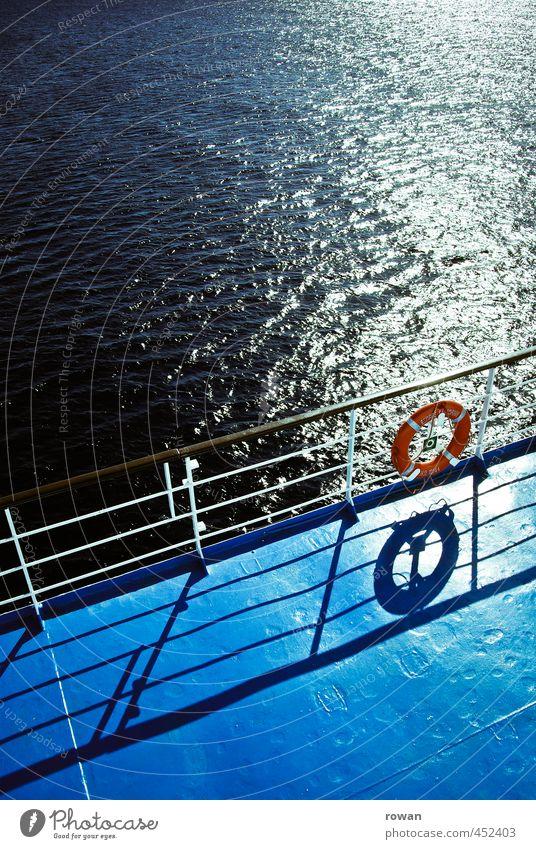 rettungsring Sonne Meer Wärme Küste Wasserfahrzeug Wellen Kreis Geländer Schifffahrt sommerlich Kreuzfahrt schimmern Rettungsring