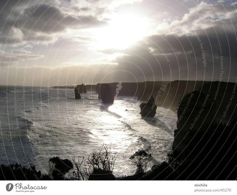 12 Apostel Australien Meer Klippe Sonnenstrahlen Great Ocean Road Australien + Ozeanien