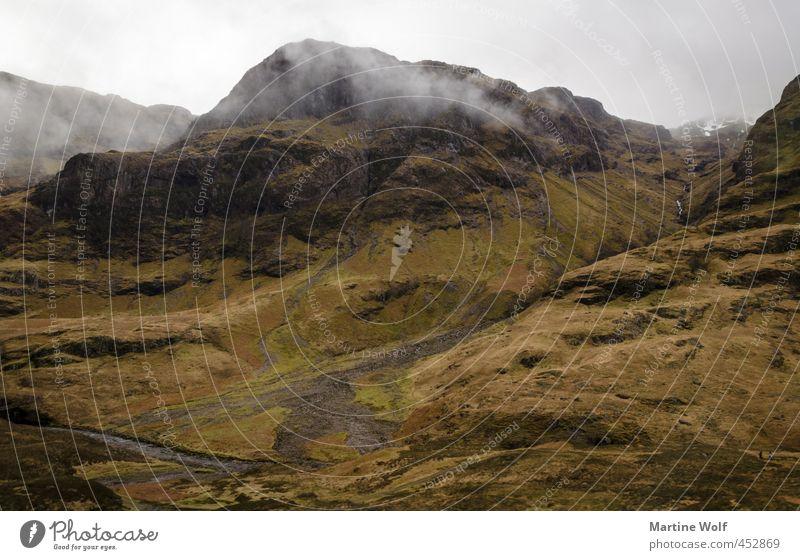 typisch schottisch II Ferien & Urlaub & Reisen Ausflug Berge u. Gebirge wandern Natur Landschaft Wolken schlechtes Wetter Nebel Heide Hügel Schottland