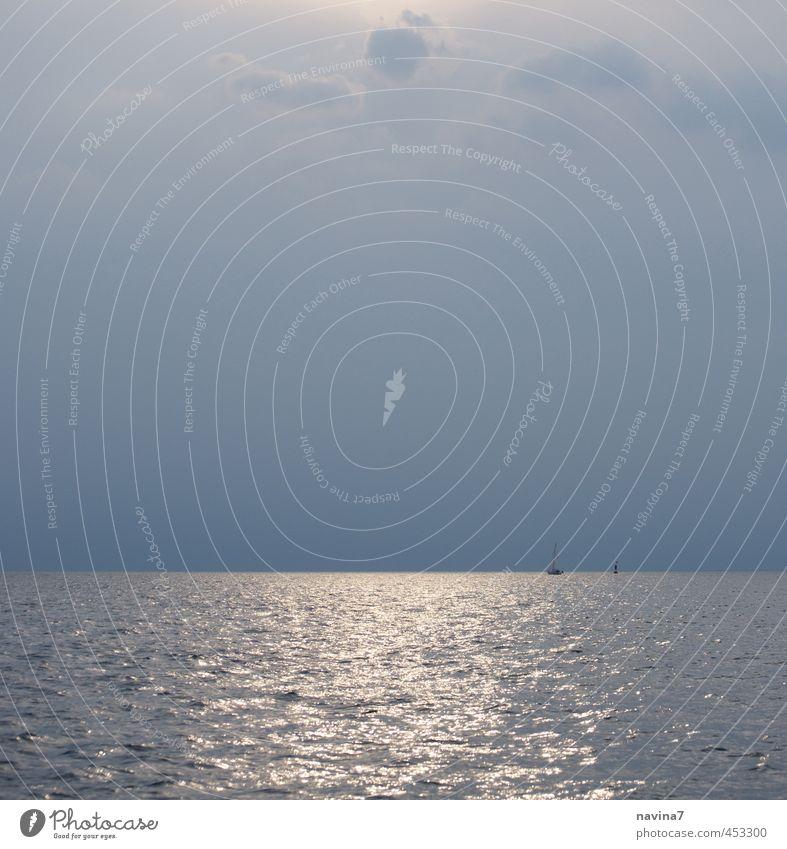 Feierabendsegeln harmonisch Erholung ruhig Schwimmen & Baden Angeln Ausflug Kreuzfahrt Meer Wasser träumen frei Unendlichkeit blau grau silber