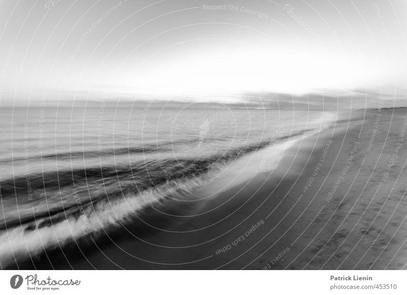 Sad and Beautiful World Himmel Natur Ferien & Urlaub & Reisen Sommer Meer Erholung Landschaft ruhig Strand Umwelt Küste Horizont Wetter Wellen Wind