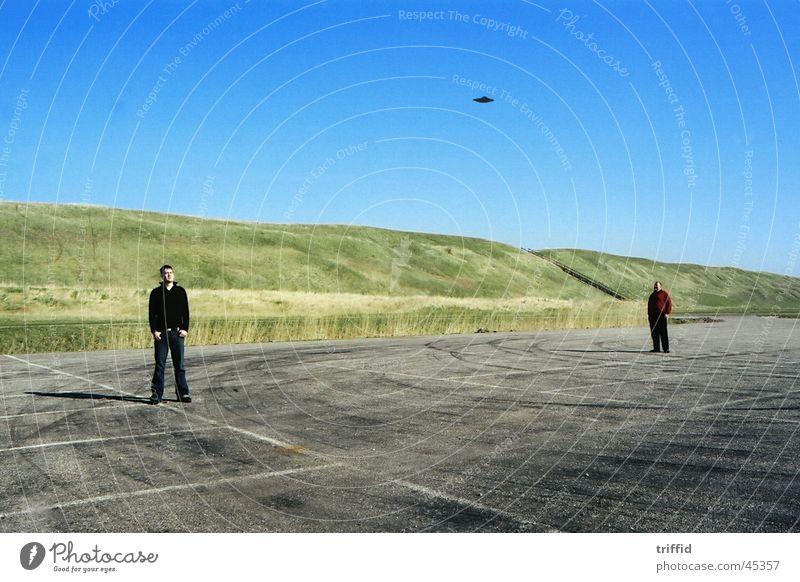 Abducted Mensch Europa Parkplatz UFO Außerirdischer Entführung Zeeland