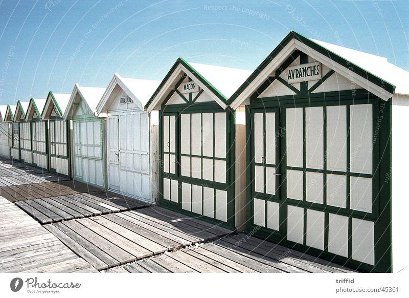 Strandhäuser Meer Sommer Ferien & Urlaub & Reisen Europa Atlantik Frankreich Normandie Strandhaus