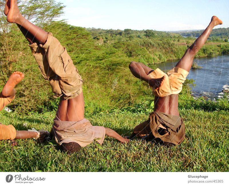 exuberance Kind Ferien & Urlaub & Reisen Farbe Freude schwarz Leben lustig Sport Junge Gesundheit Glück Freiheit Fuß Freizeit & Hobby frei Fröhlichkeit