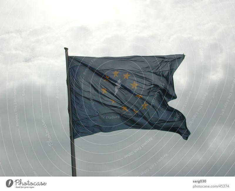 Europaflagge Himmel blau Wolken Stern (Symbol) Fahne Freizeit & Hobby