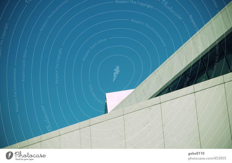 Dreiecke (#100) Oslo Norwegen Stadt Bauwerk Gebäude Architektur Mauer Wand Fenster ästhetisch kalt Himmel (Jenseits) Wolkenloser Himmel Linie