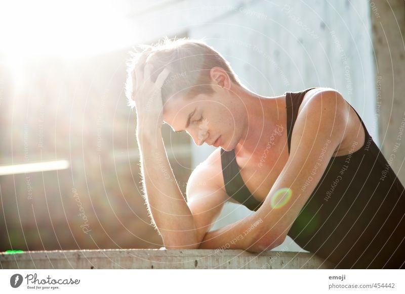 I am Mensch Jugendliche schön Junger Mann Erwachsene 18-30 Jahre Wand Mauer maskulin