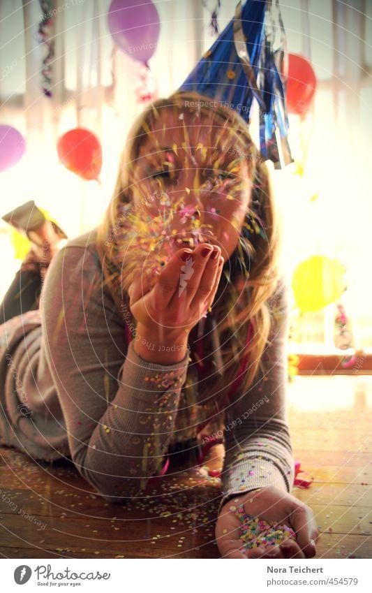 --> just 4 u ! Mensch Frau Hand Freude Gesicht Erwachsene feminin Glück Feste & Feiern Haare & Frisuren Kopf Party Freundschaft Dekoration & Verzierung Geburtstag blond