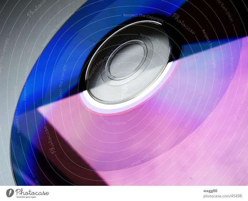 Halbvoll Dienstleistungsgewerbe Ladengeschäft Datenträger retten ansammeln Compact Disc DVD-ROM Datei