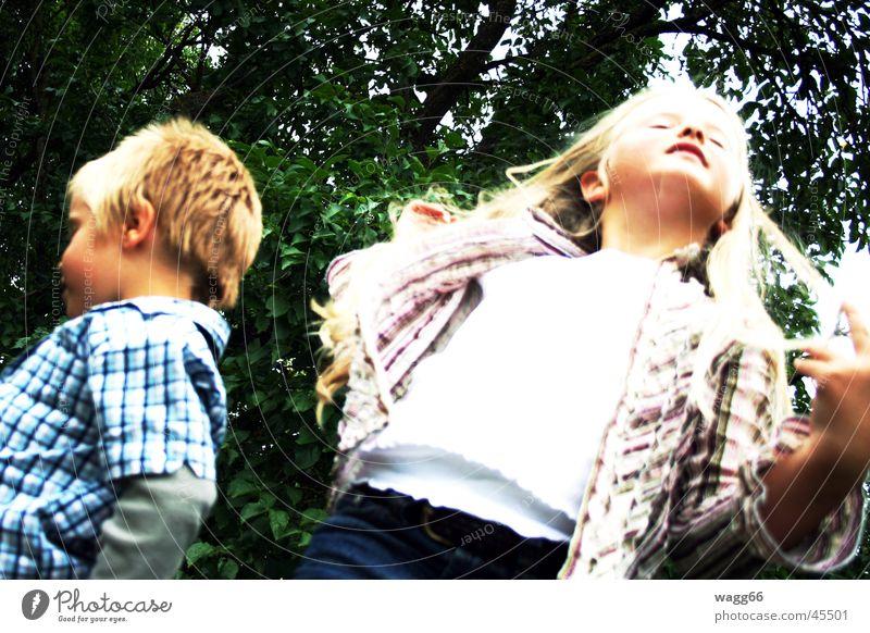 """""""ich mache nicht mit"""" Kind Familie & Verwandtschaft blond Konflikt & Streit Geschwister Bruder Schwester"""