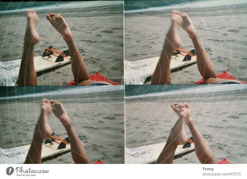 relaaax Ferien & Urlaub & Reisen Strand Erholung Sand Beine Fuß Surfbrett