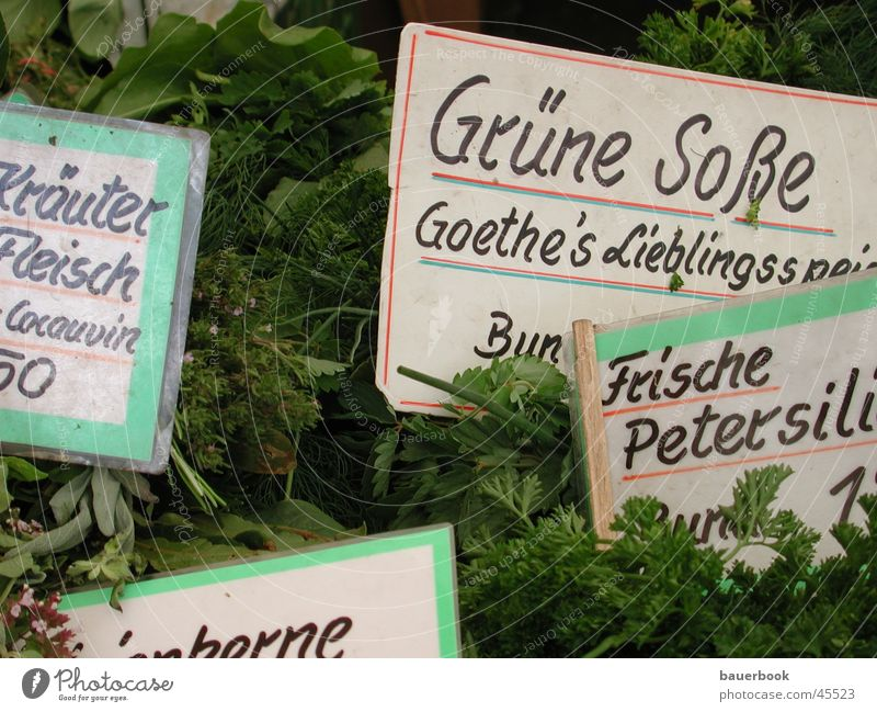 """Grüne Soße Kräuter & Gewürze München Viktualienmarkt Petersilie Nahaufnahme Ernährung Markt Schilder & Markierungen """"""""Goethes Lieblingsspeise"""""""""""