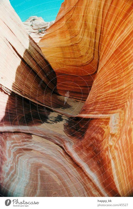 The Wave Stein Felsen Natur Gesteinsformationen Geologie Naturphänomene Sediment Erosion Strukturen & Formen Wellenform wellig schön ästhetisch beeindruckend
