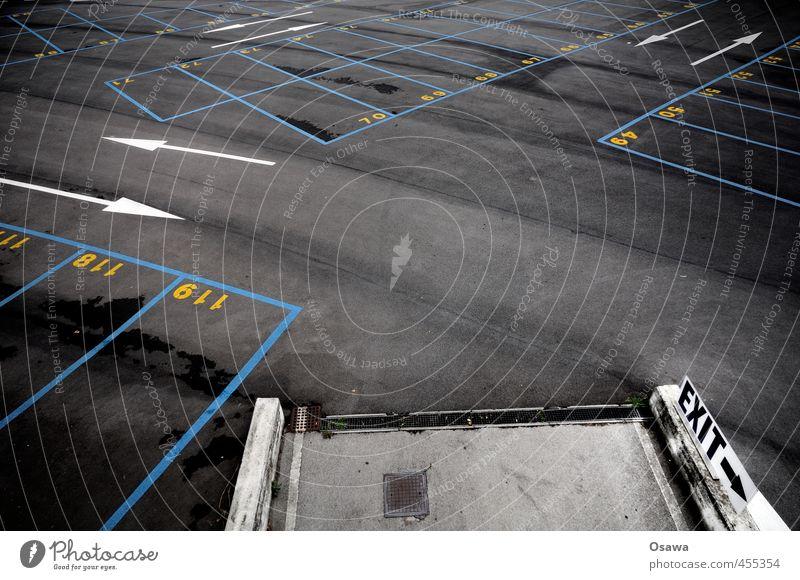 Strategie Venedig Menschenleer Verkehr Verkehrswege Parkplatz Ausfahrt PKW Schilder & Markierungen blau gelb grau orange schwarz weiß Exit Asphalt