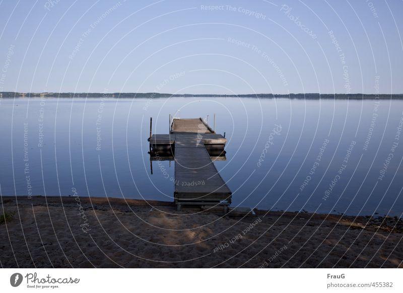 blaue Stille Sand Wolkenloser Himmel Sommer Seeufer Steg Holz ruhig Einsamkeit Natur Ferne Reflexion & Spiegelung Schweden Ferien & Urlaub & Reisen Farbfoto