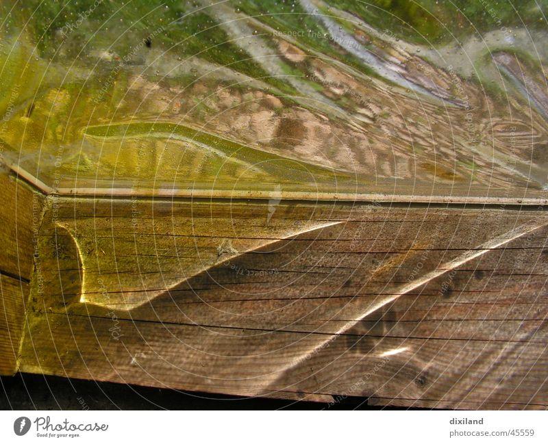 Flügelschlag im Licht Reflexion & Spiegelung Kirchenfenster Fenster Lichtbrechung Morgen Momentaufnahme Gotteshäuser Glas auf Holz Morgendämmerung