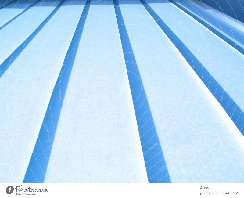 blaue Lamellen Ferne Fenster Linie Streifen Unendlichkeit Flucht