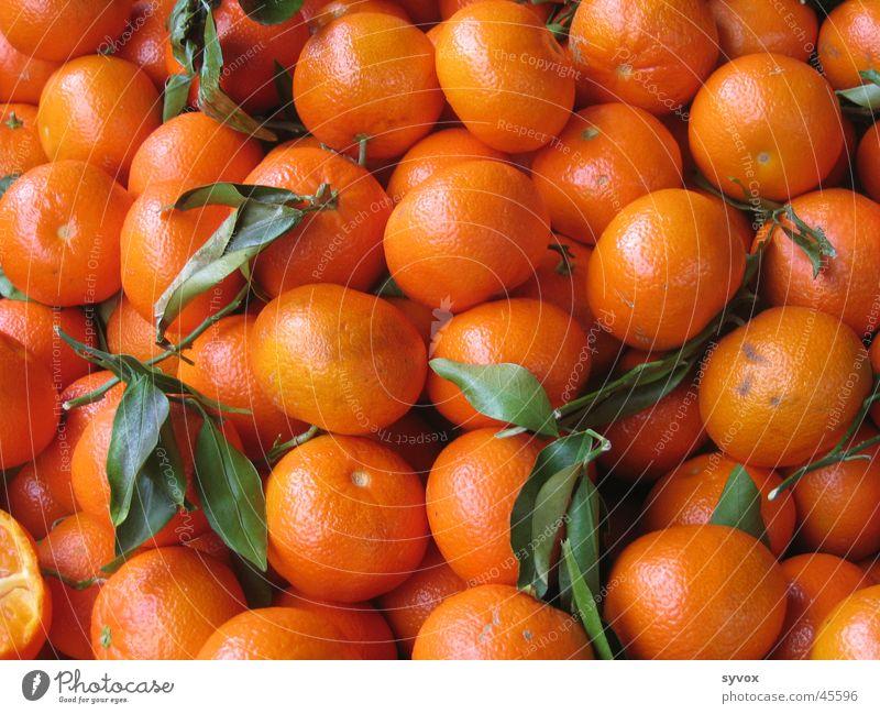 Mandarinenhaufen Gesundheit Orange Frucht Saft fruchtig Mandarine Orangensaft