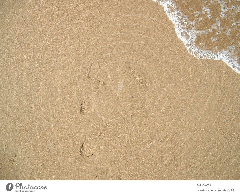 Barfuss im Sand Wasser Meer Strand Sand Europa Barfuß Sandabdruck