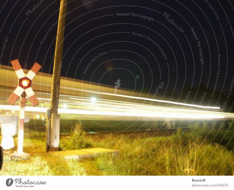 Bahnübergang Schranke Eisenbahn Licht Nacht Verkehr