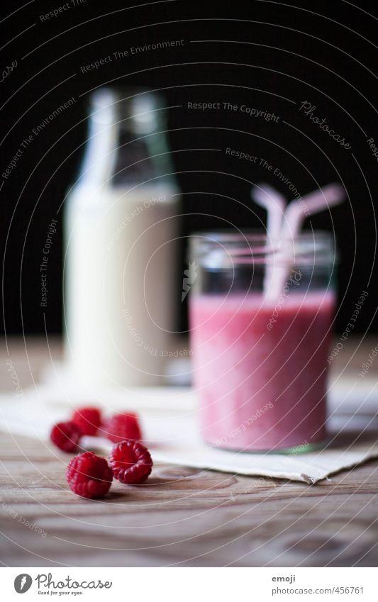 Himbeermilch Frucht Vegetarische Ernährung Getränk Erfrischungsgetränk Milch Flasche lecker süß Himbeeren Milchshake Farbfoto Innenaufnahme Studioaufnahme