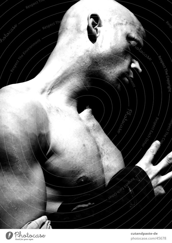 beautiful man Performance ästhetisch Porträt schwarz weiß Mann Theaterschauspiel Mensch Tänzer Schwarzweißfoto high key low Low Key