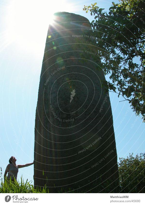 Menhir bei Kerloac Stein Europa Frankreich Vergangenheit mystisch Bretagne Archäologie Hinkelstein Menhir Kerloac