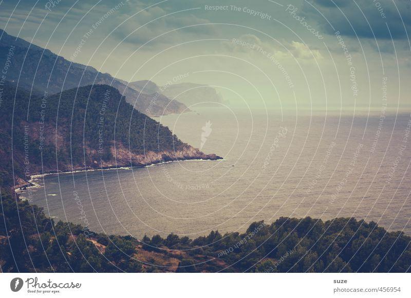Schweigend ins Gespräch vertieft Ferien & Urlaub & Reisen Sommer Natur Landschaft Erde Himmel Horizont Wald Berge u. Gebirge Küste Bucht Meer Insel dunkel