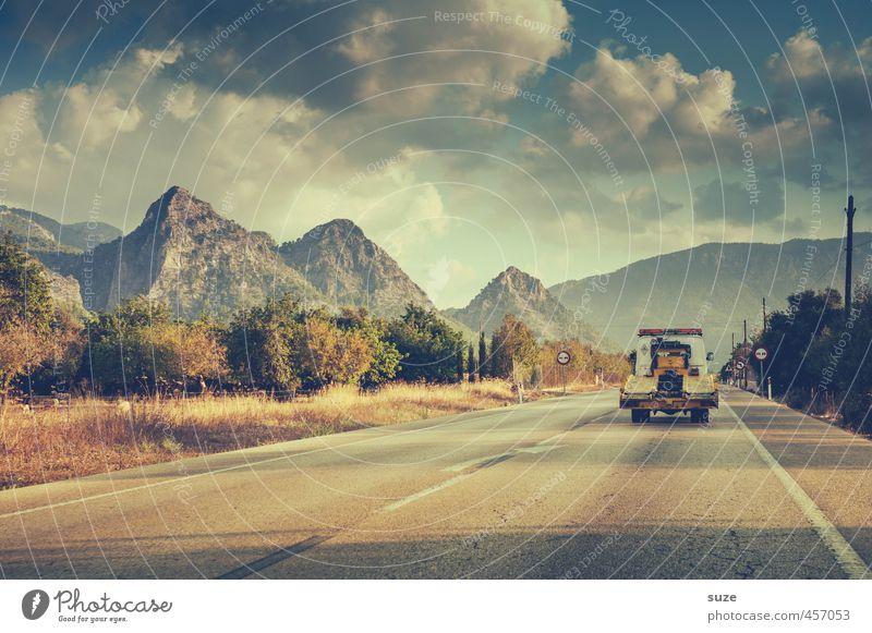 Nördlich vom Süden Ferien & Urlaub & Reisen Sommer Umwelt Natur Landschaft Himmel Wolken Berge u. Gebirge Verkehr Verkehrswege Berufsverkehr Straßenverkehr
