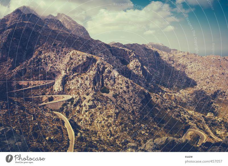 Serpentine Himmel Natur Sommer Landschaft Wolken Umwelt Berge u. Gebirge Straße Wege & Pfade außergewöhnlich Felsen Verkehr Schönes Wetter gefährlich Ausflug