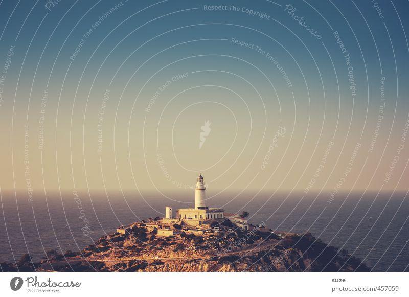 Immer einen Blick voraus ... Ferien & Urlaub & Reisen Tourismus Sightseeing Sommer Berge u. Gebirge Natur Landschaft Erde Himmel Küste Meer Leuchtturm Gebäude