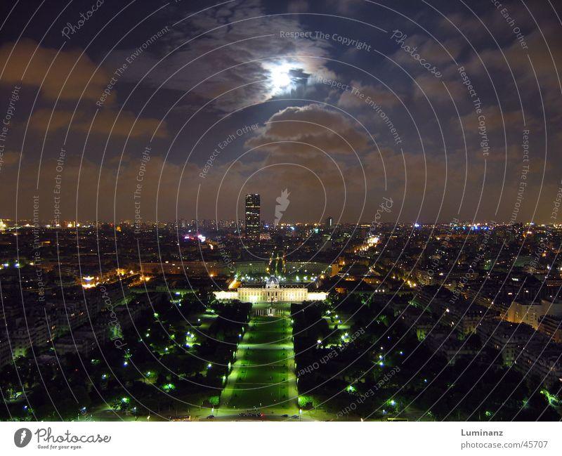 Ecole Militaire Frankreich Paris Stadt Tour d'Eiffel Champs de Mars Nacht Vollmond Wolken Langzeitbelichtung Aussicht Ferien & Urlaub & Reisen Europa großtadt