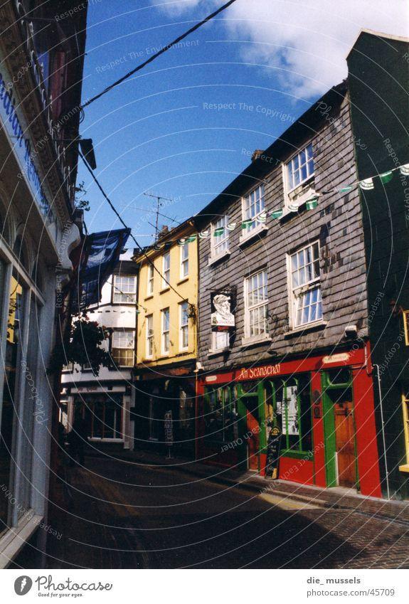 bunte stadt 2 Stadt mehrfarbig Republik Irland Pub Gasse Architektur alt