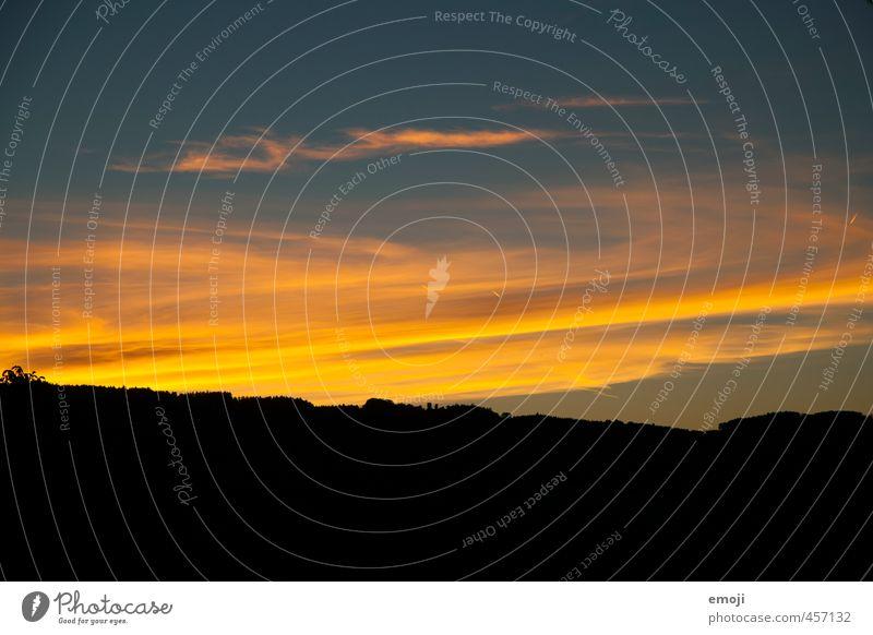 Untergang Umwelt Natur Urelemente Himmel Hügel Wolken außergewöhnlich natürlich Farbfoto mehrfarbig Außenaufnahme Menschenleer Textfreiraum unten Dämmerung