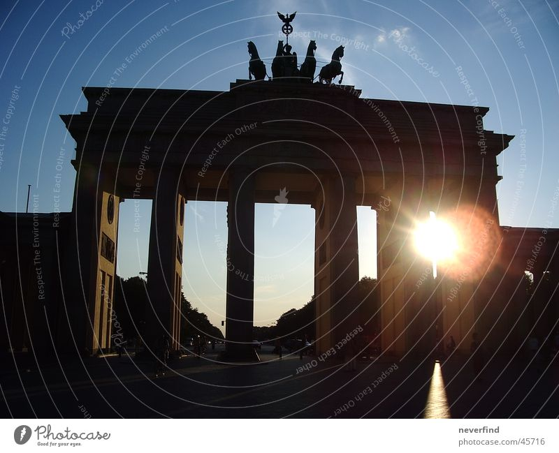 Tor zur Sonne Berlin historisch Brandenburger Tor