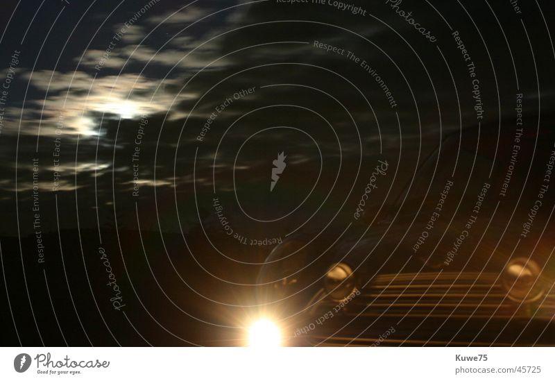 MINI Cooper by Night 2 weiß Wolken Lampe PKW Feld klein Verkehr Mond Motorhaube Kühlergrill Frontlicht