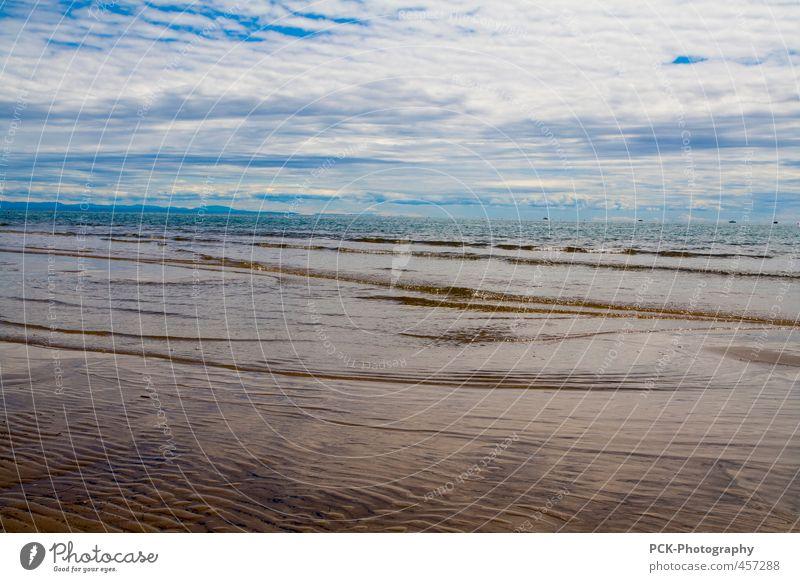 Meeresfrische Sand Wasser Himmel Wolken Horizont Sommer Wetter Wellen Küste Strand Menschenleer Ferne Wellengang Wasseroberfläche Italien Farbfoto Außenaufnahme