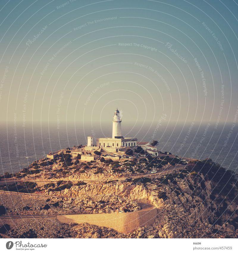 Rundschau Ferien & Urlaub & Reisen Umwelt Natur Landschaft Urelemente Erde Himmel Wolkenloser Himmel Horizont Klima Wetter Küste Meer Leuchtturm Architektur